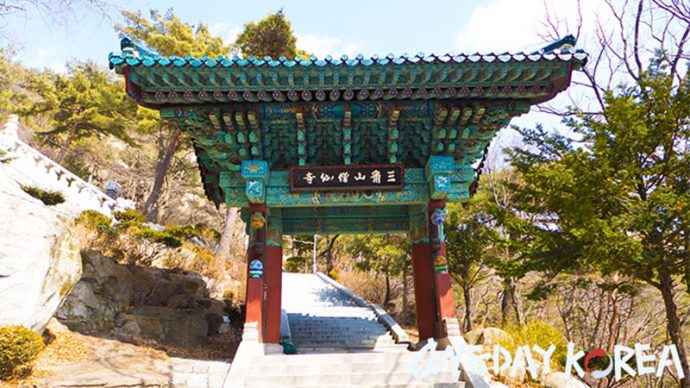 bukhansan mountain temple