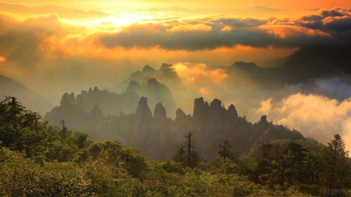 10 Most Beautiful Places in Korea Seoraksan