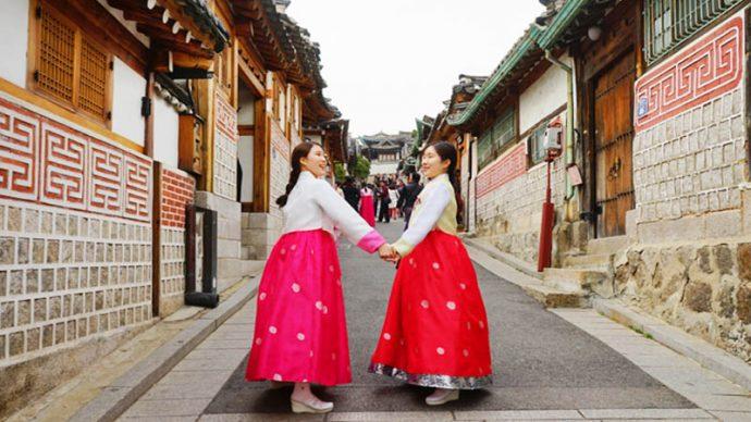 date in seoul bukchon hanbok