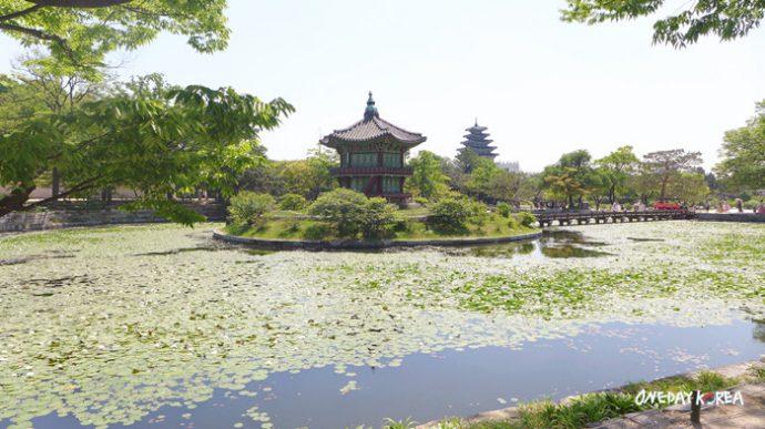 Gyeongbokgung PalaceHyangwonji